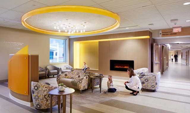 Remodel/Renovation Finalist 2017: The Mother Baby Center at United Hospital (Public Spaces)